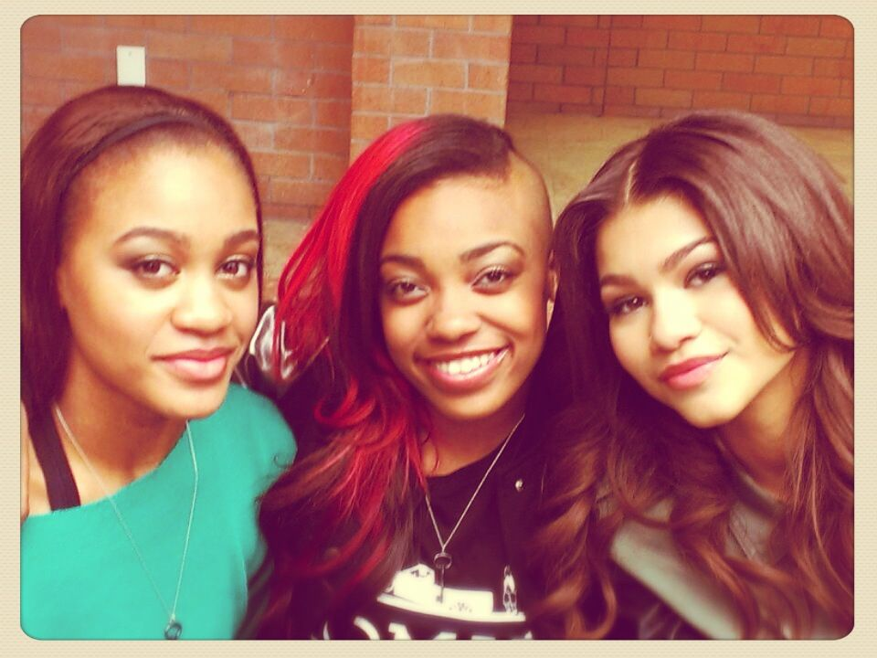 Zendaya Coleman Brothers And Sisters miss my sisters!! | Ze...