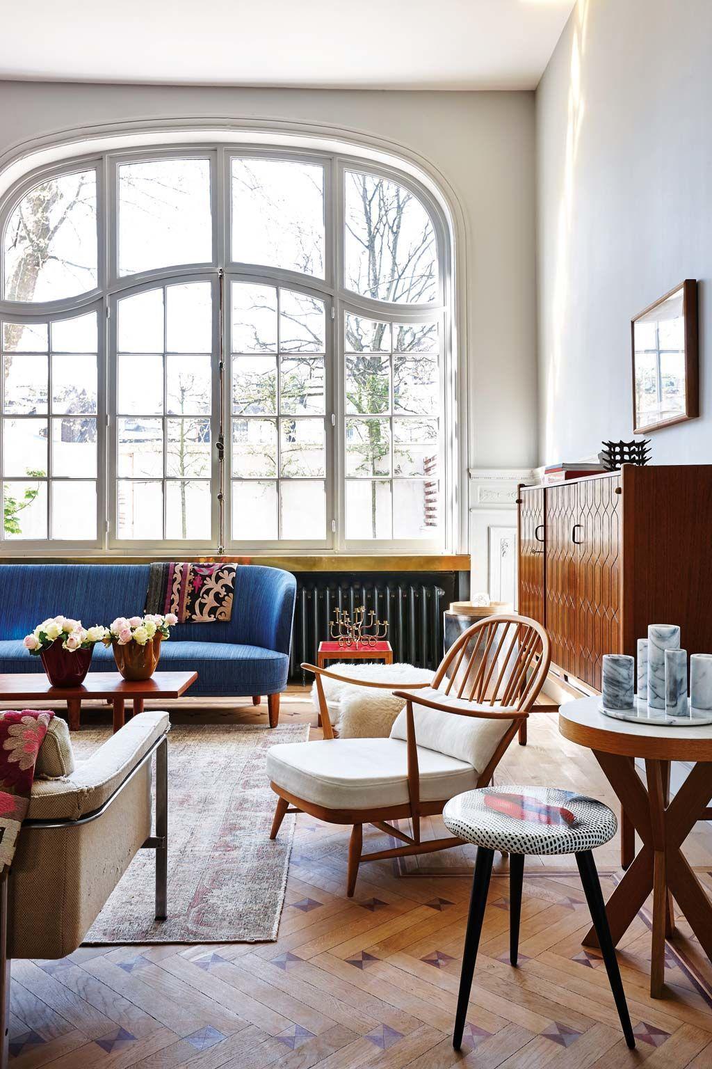 Un grand salon lumineux qui mise sur un mobilier sixties - Salon lumineux ...