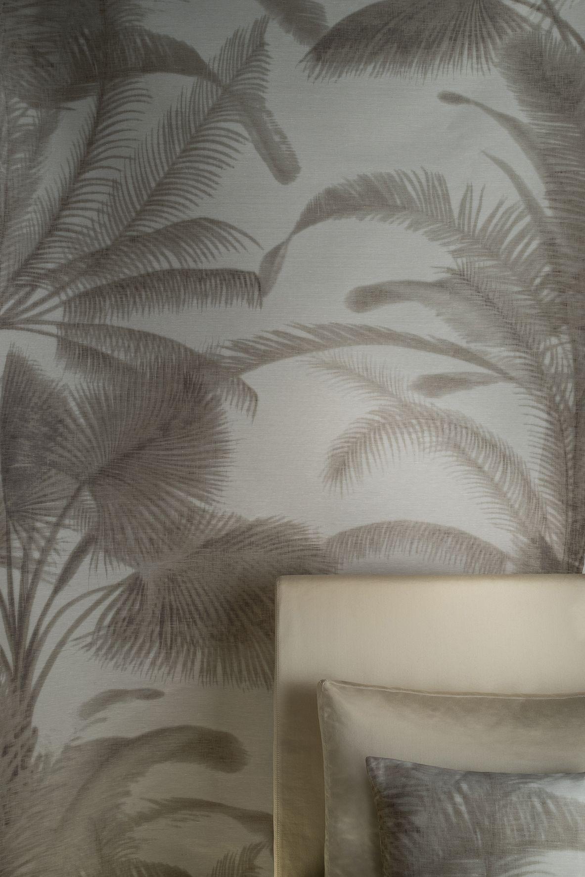 Carta Da Parati Giorgio Armani.Rubelli Tissu Honolulu Armani Casa Exclusive Textiles By Rubelli Http Www Rubelli Com Www Loggerewilpowe Armani Wallpaper Wallpaper Bedroom Armani Home