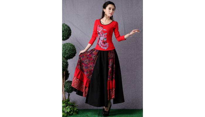jupe longue asymétrique noire et pans à fleurs Ampleur Ethnique
