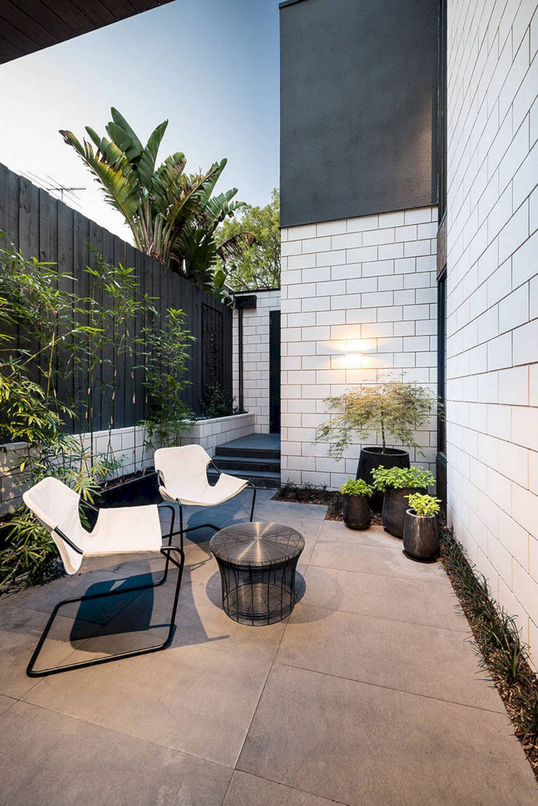 12 Awesome Outdoor Living Space Decoration Ideas On a ... on Courtyard Ideas On A Budget id=13565