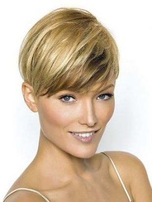 Stylish Wedge Haircuts For Short Hair Similar To The Inverted Bob Hairstyle