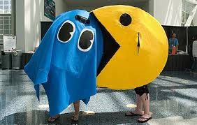 Defeat the ghosts with this Pac Man cosplay! #FANX16