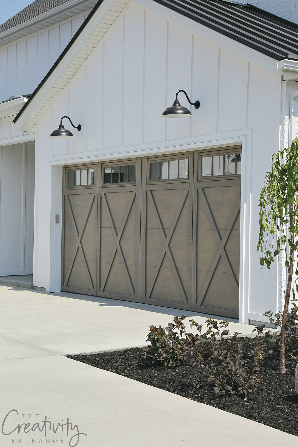 How Modern Farmhouse Exteriors Are Evolving Garage Door Design Modern Garage Doors Garage Doors