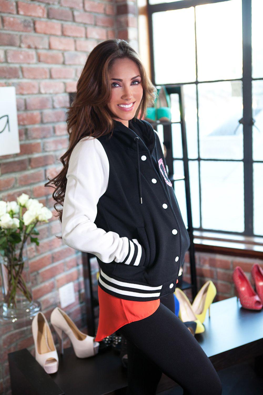 Anahi in the Aviesta jacket!