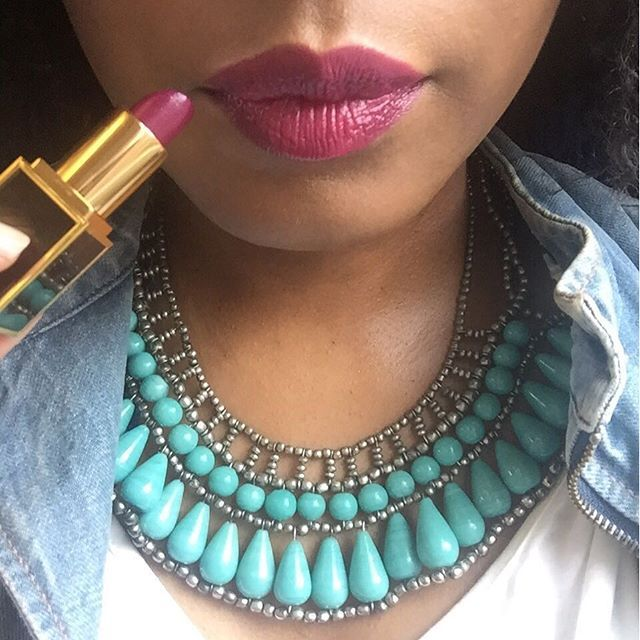 After 36,713 minutes I could wear lipstick again yesterday 🙌🏿🙌🏿. Resuming…