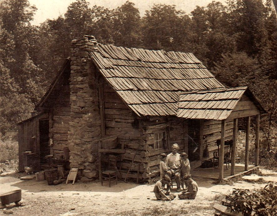 Bon Mountaineers Cabin Cumberland Gap Tennessee.