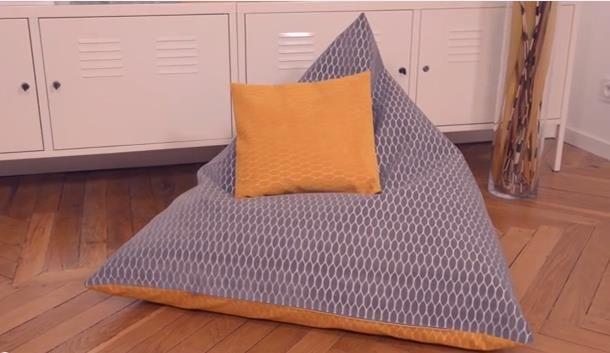 pouf pyramide pouf et tuto. Black Bedroom Furniture Sets. Home Design Ideas