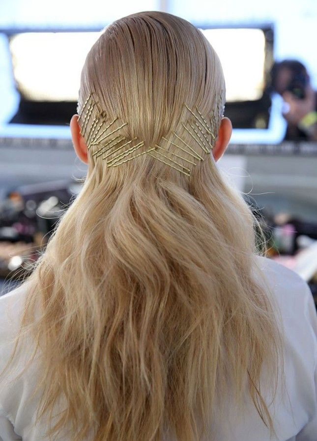 14 Hairstyles That Prove Bobby Pins Are The Only Hair Accessory You
