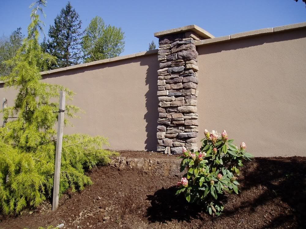 Stucco Retaining Wall Help Choose Retaining Wall Material Landscape Design Forum Backyard Fences Fence Design Backyard