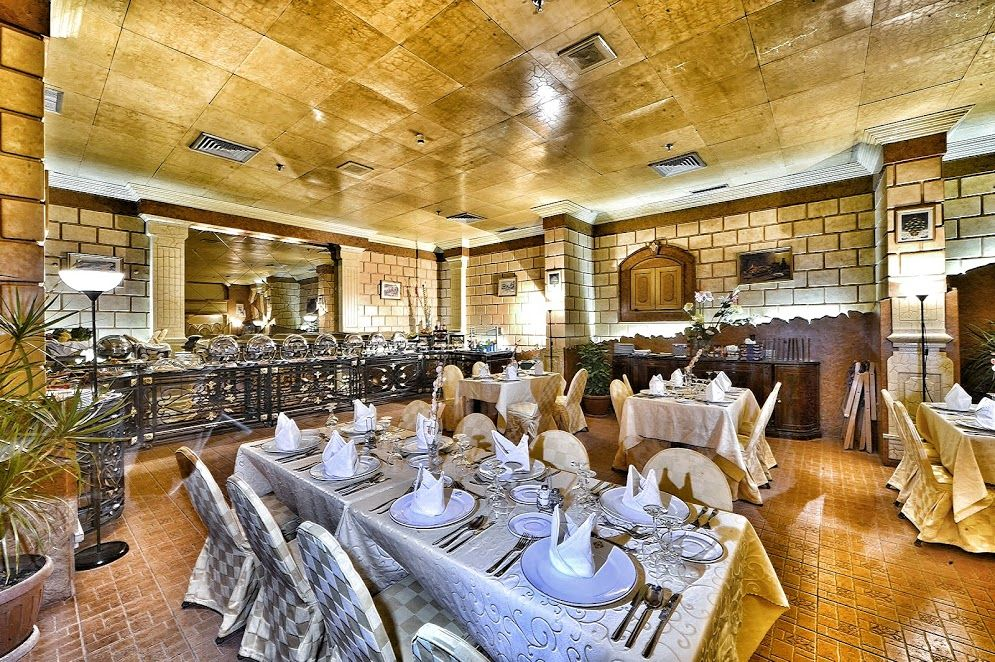 Amira Restaurant The In Place To Dine While In Riyadh Palace Hotel Hotel Executive Room