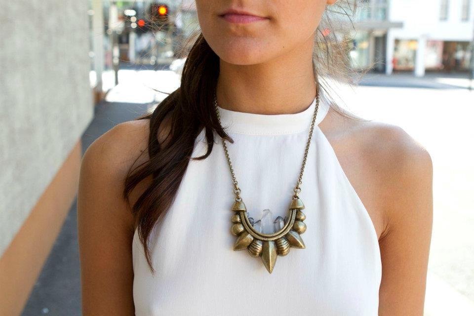 love this neckline