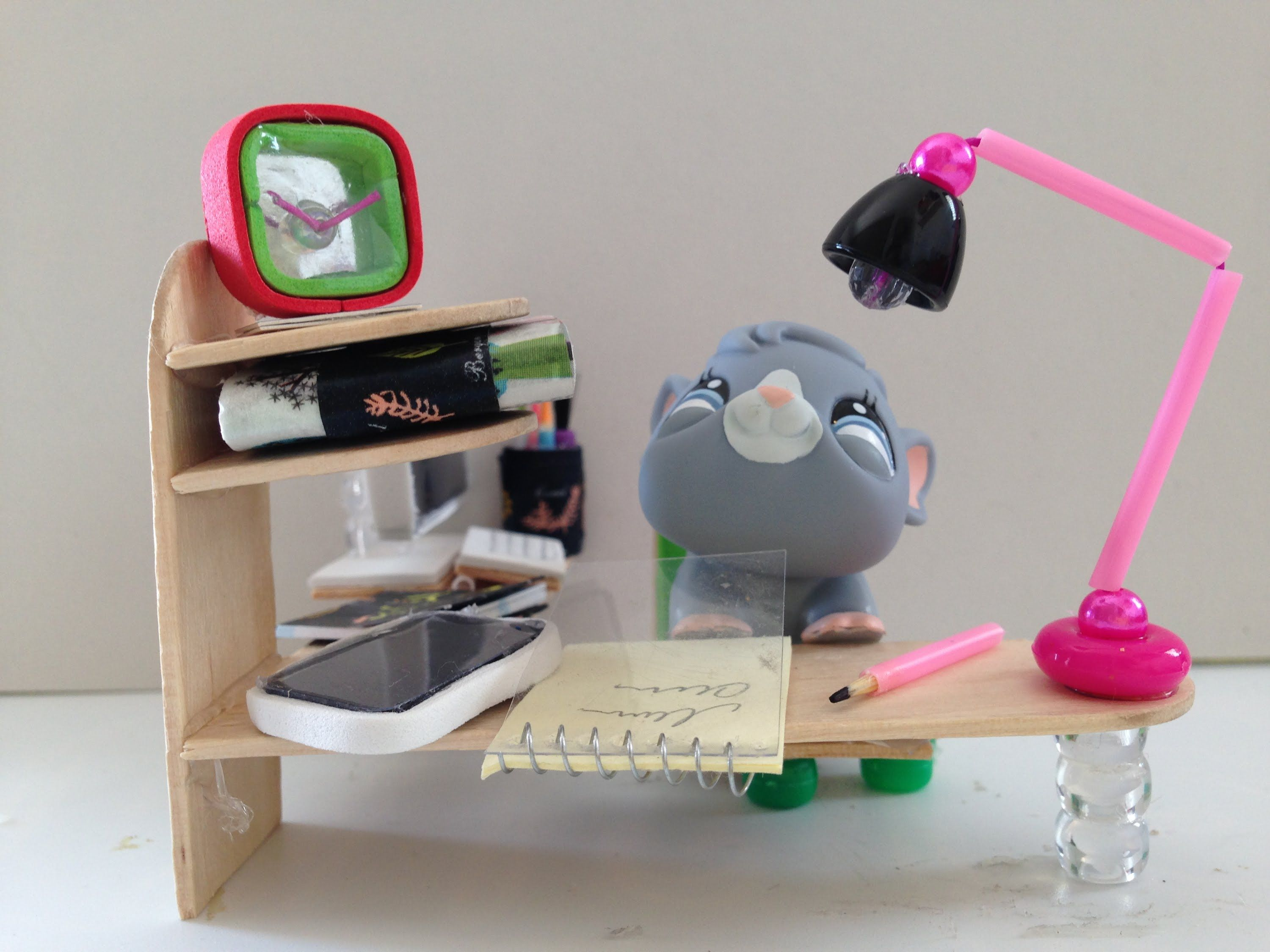 How to make LPS accessories: a LPS desk lamp | diy mini ...