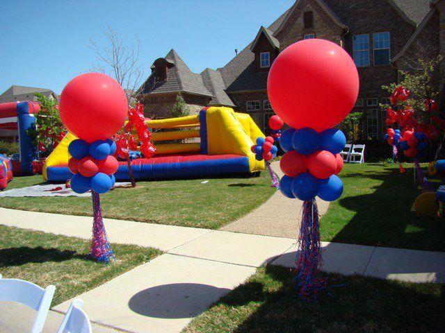 437 Outside Balloon Wipeout Theme Party