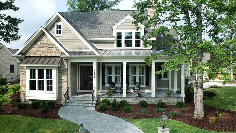 11 Ranch House Plans That Will Never Go Out Of Style House Styles Craftsman House Plans Farmhouse Style House