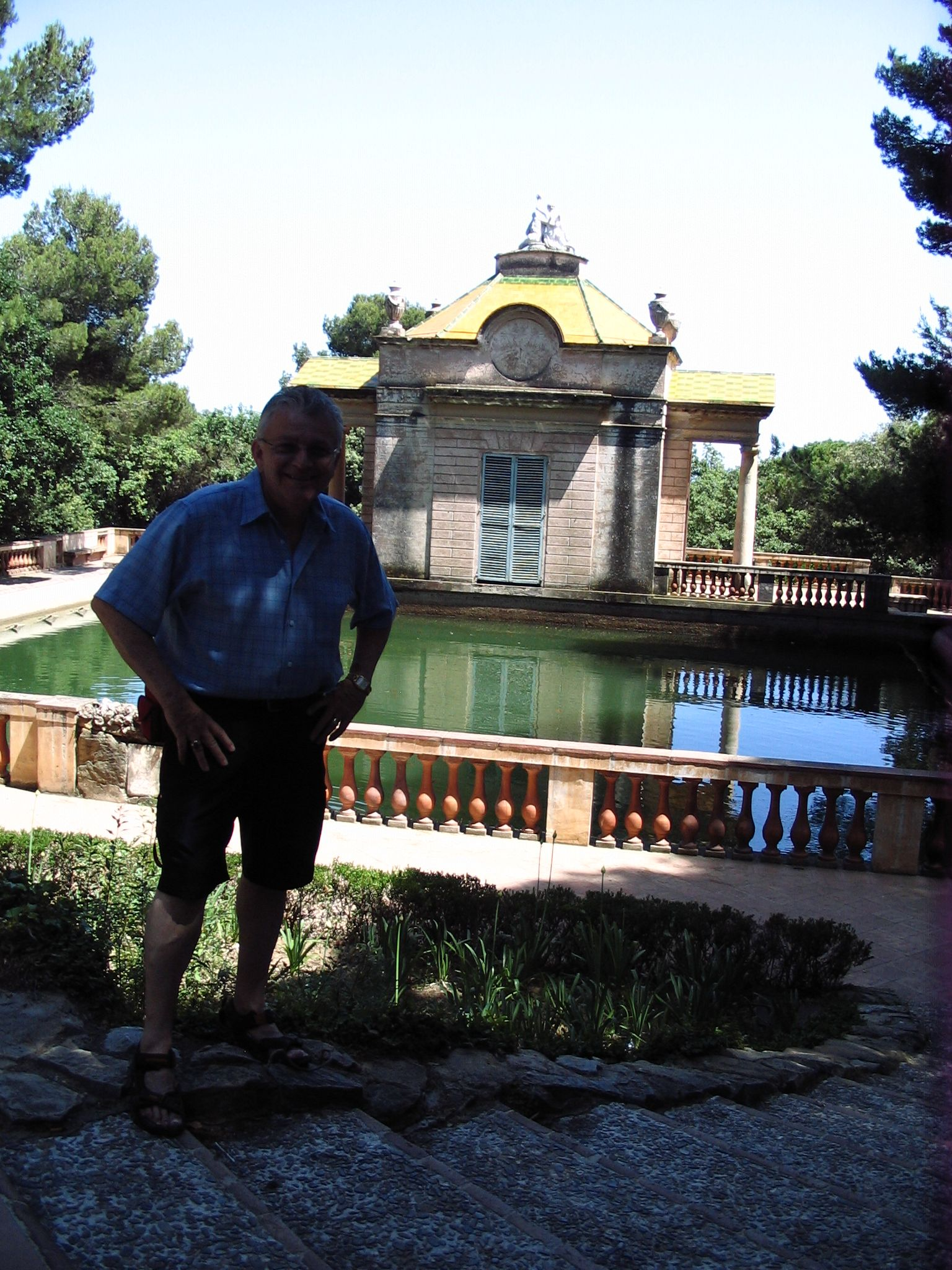 Barcelona's oldest garden, built before America was discovered. Still in use today. See it!