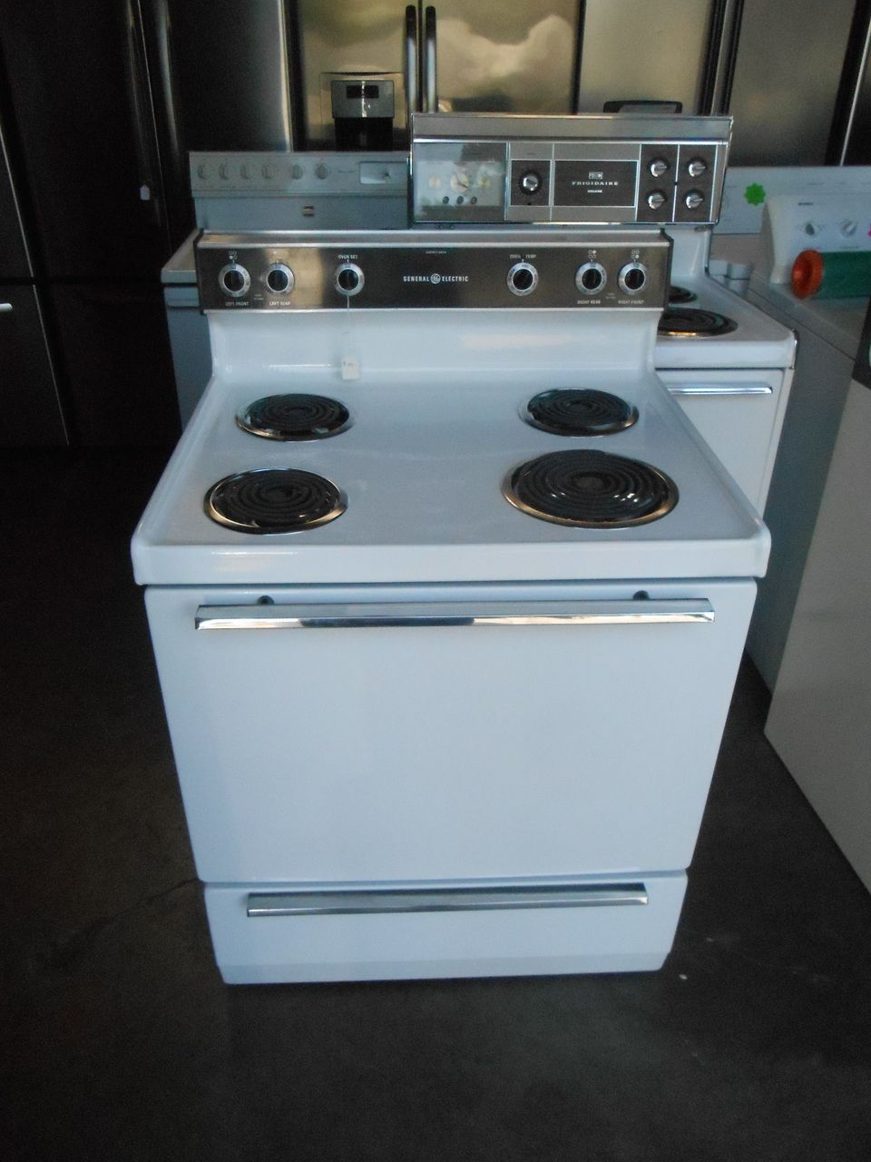 Appliance City Ge 30 Inch Free Standing Electric Range Coil