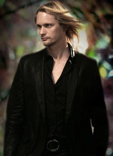 Pin On Eric Northman That Viking Wonder True Blood Favorite