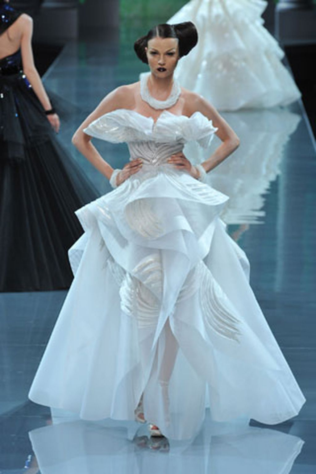 Christian Dior Wedding Dress 04 | BRIDE 1 | Pinterest | Dior ...