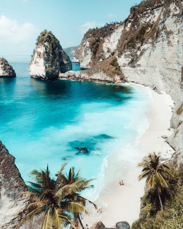 Diamond Beach - Schönster Strand auf Nusa Penida in Bali Auf der Insel Bali #blue