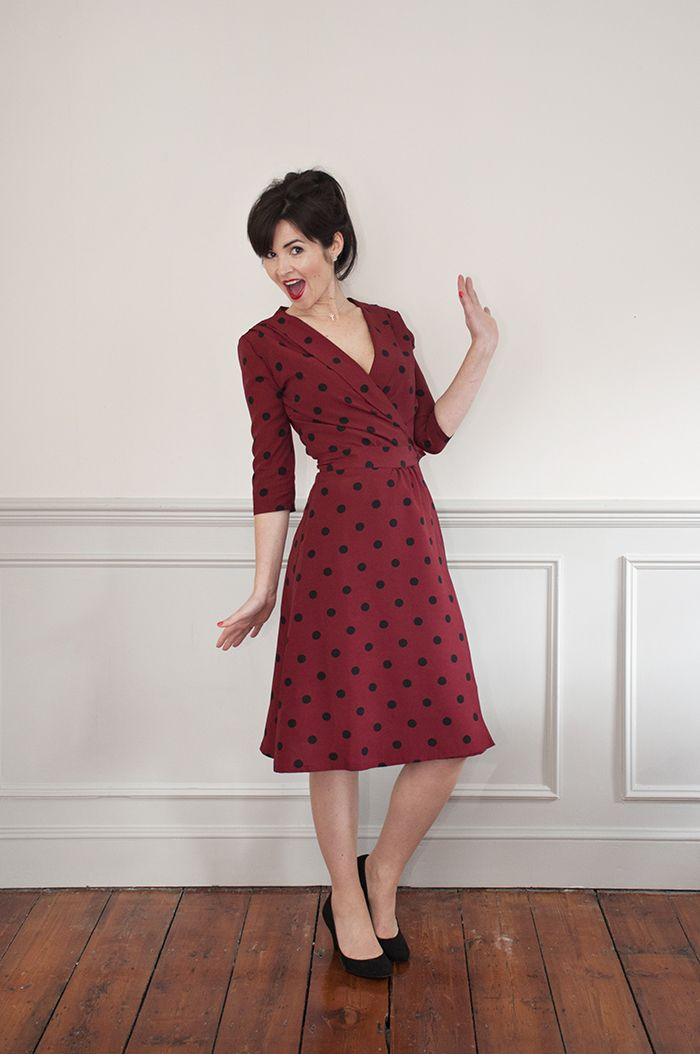 The 1940 S Wrap Dress Sewing Pattern Sew Over It Available On The Fold Line Kleding Naaien Kleding Patronen Patroon Jurk