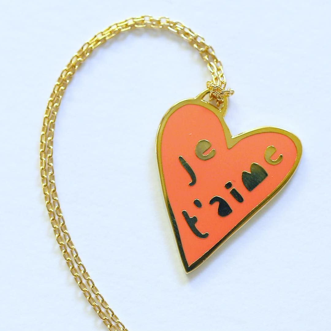 Je T'aime Pendant necklace, gold and neon pink