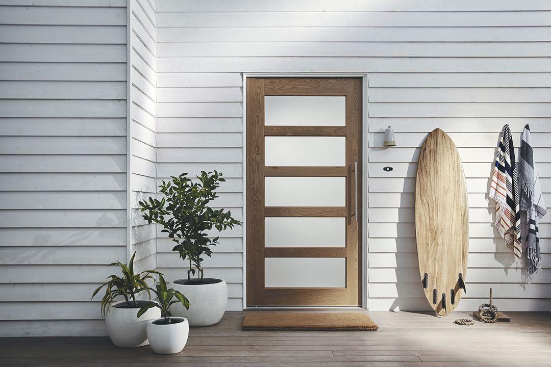 Corinthian Doors On Instagram The Pure Versatility And Simple Elegance Of Our Blonde Oak Entrance Door Collection C House Exterior House Doors Entrance Doors