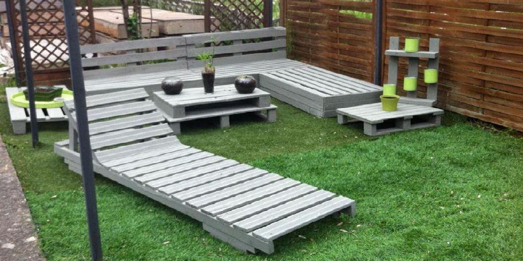 Pallet Garden Corner Sofa