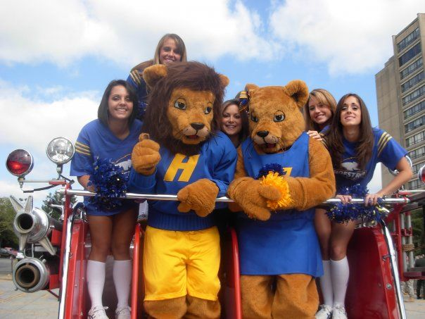 Hofstra University Pride Mascots Willie And Kate College Mascots