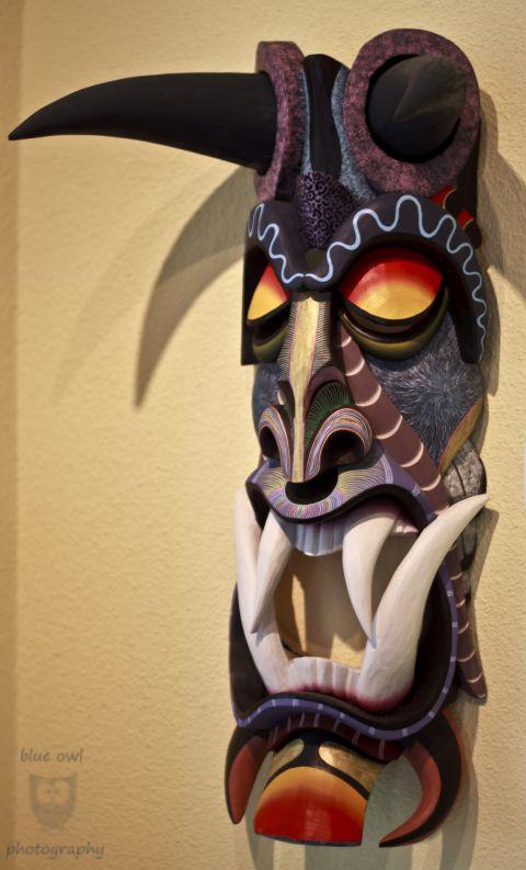 masque africain geant