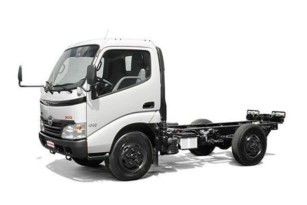 Hino 300 Series WU300L-ML Light Duty (2015)