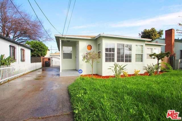 Gorgeous 3 bedroom, 2 bathroom on a quiet street in the city of Compton! A large front yard welcomes you home, complete with white gate for added privacy.
