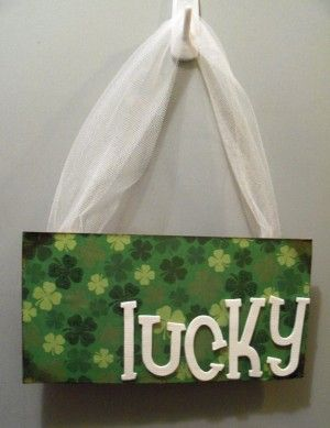 Happy St. Patty's Day! Add some Irish cheer to your home with these quick crafts: MomClick