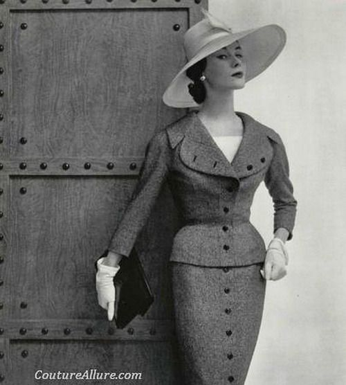 Suit by Jacques Fath, 1954 photo by Philippe Pottier