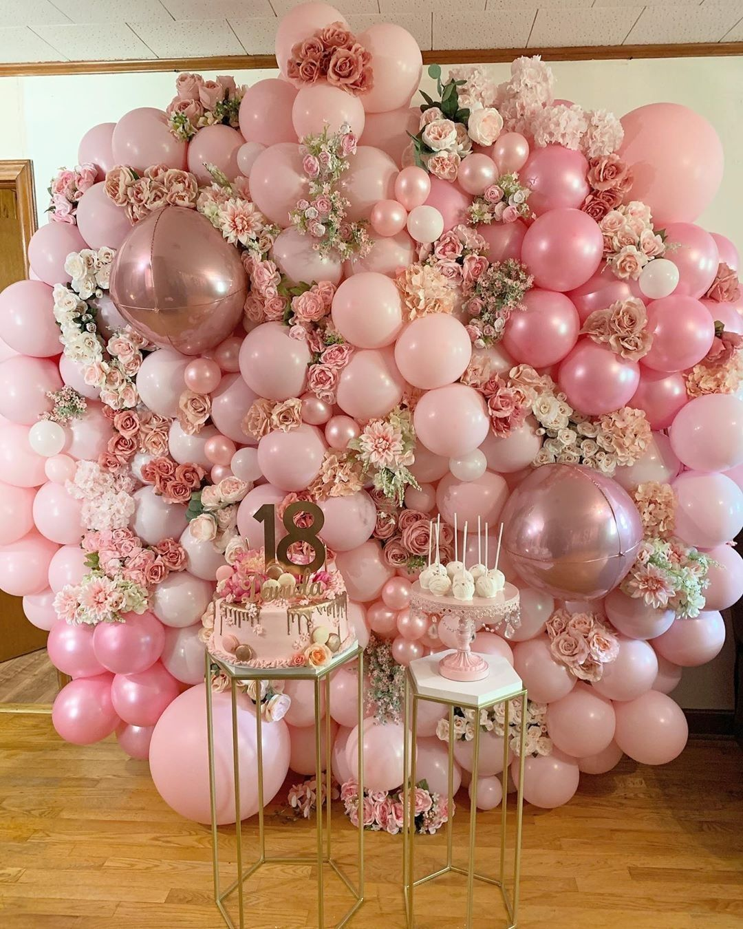 Best Balloon Party Styling Amazing Birthday Party Decoration Balloon Garland Event Ideas Balloons Balloon Balloonb In 2020 Balloons Pink Balloons Balloon Garland