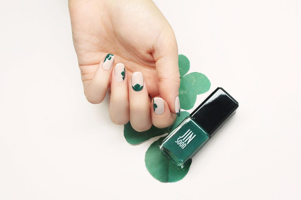 Luck Will Be at Your Fingertips Thanks to This Chic Shamrock Nail ...