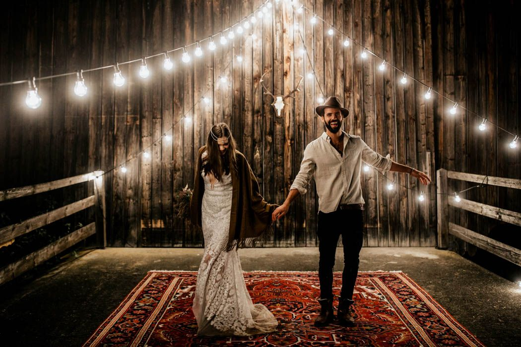This Munich elopement inspiration combines boho, vintage, and rustic styles effortlessly | Image by Chris and Ruth Photography