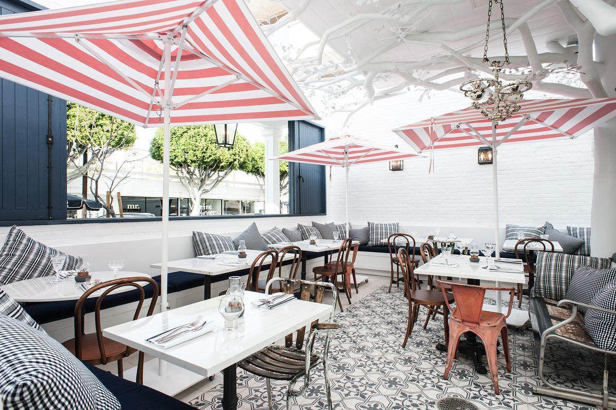 Inside Jessica Biel S Au Fudge In West Hollywood Outdoor Dining Patio Restaurant