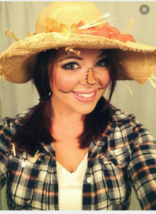 Simple scarecrow makeup and hat. Love this for halloween #scarecrowmakeup Simple scarecrow makeup and hat. Love this for halloween #scarecrowcostumediy