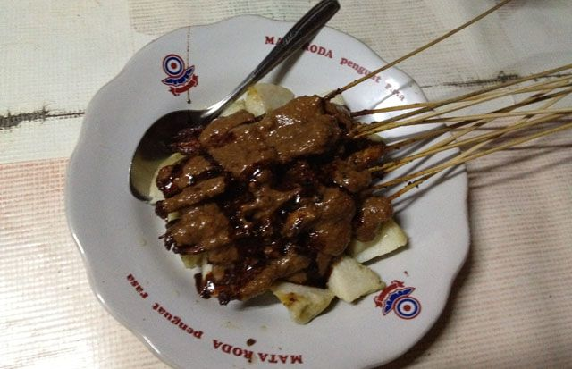 This is chicken satay with peanut sauce.  Actually you can find chicken satay easily in most area in Indonesia, but for this one, I had it during my Jogja trip.    For story about my trip, please go to: http://wp.me/p1VkQt-lc