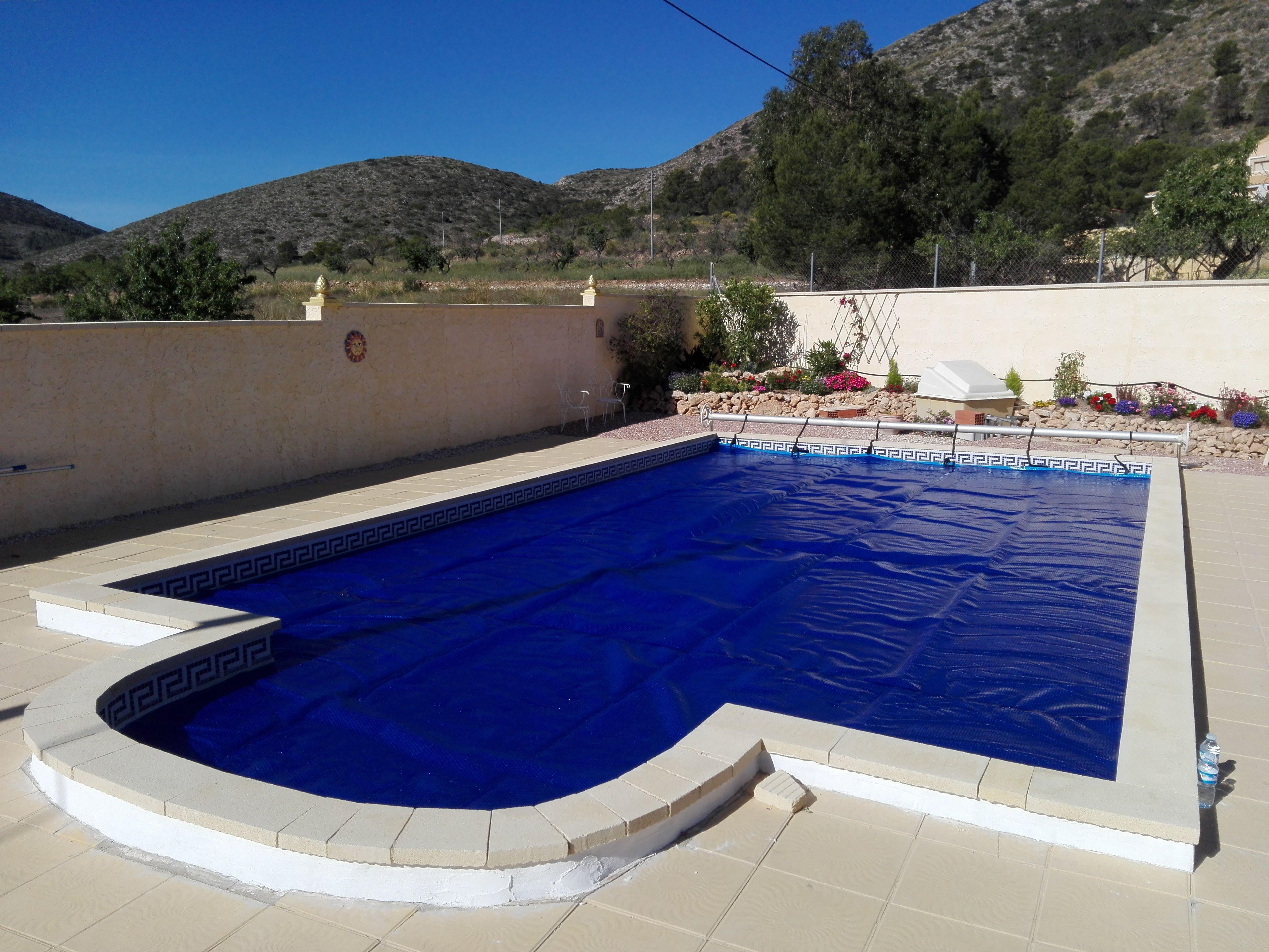 Mantas termicas para piscinas precios cubierta para for Cubre piscina bestway