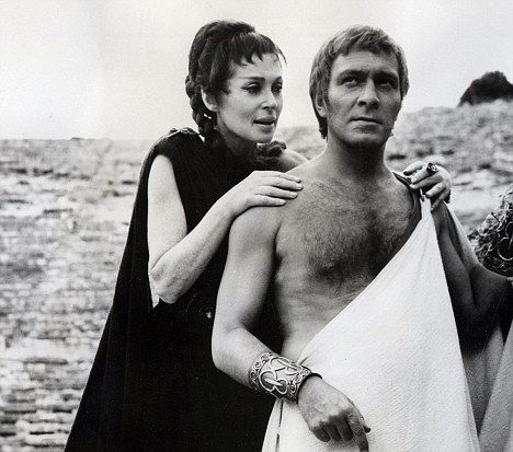 Christopher Plummer As King Oedipus And Lili Palmer As Jocasta The