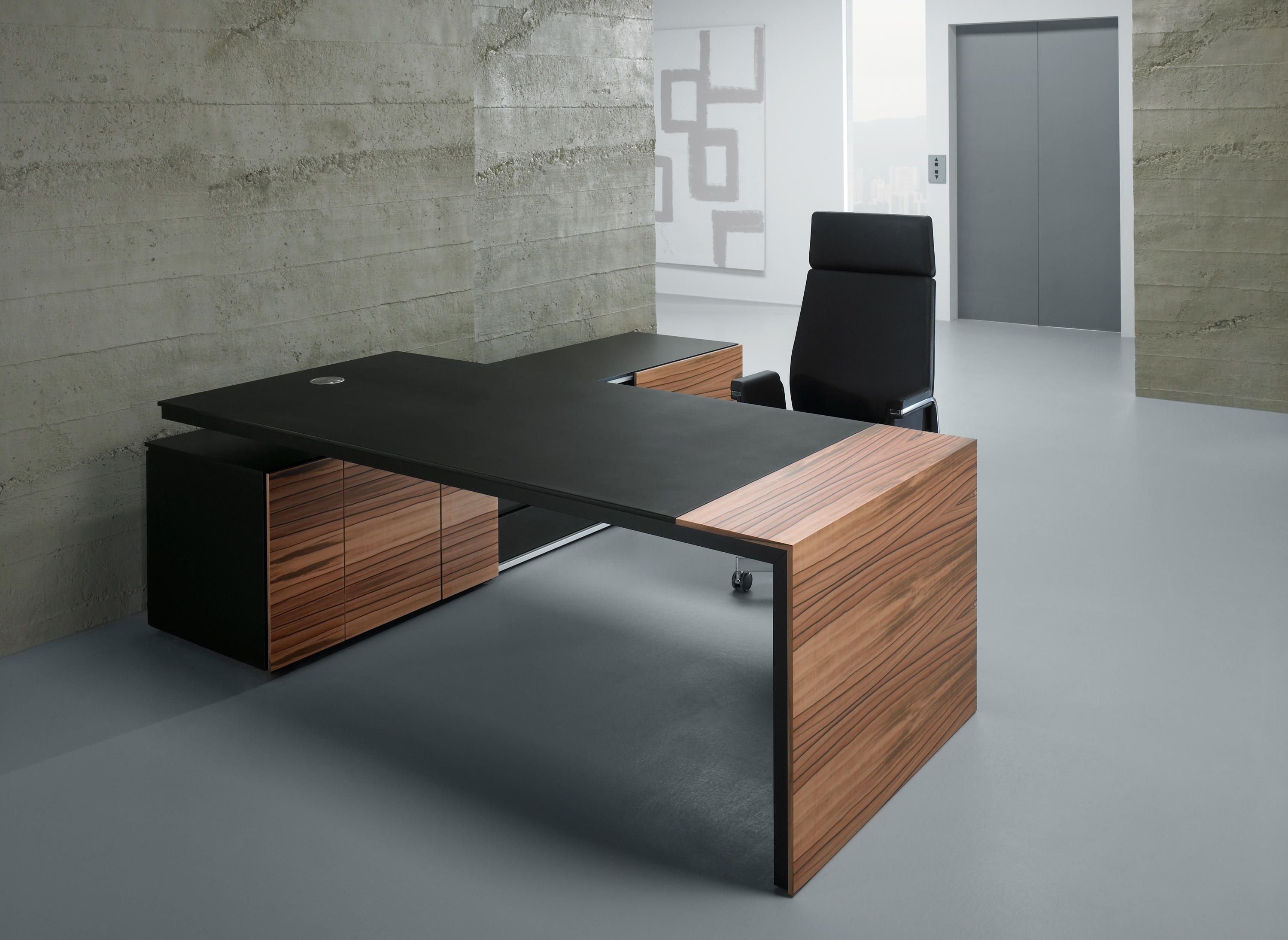 Kyo Olmo Executive fice Desk highlights the materiality of the