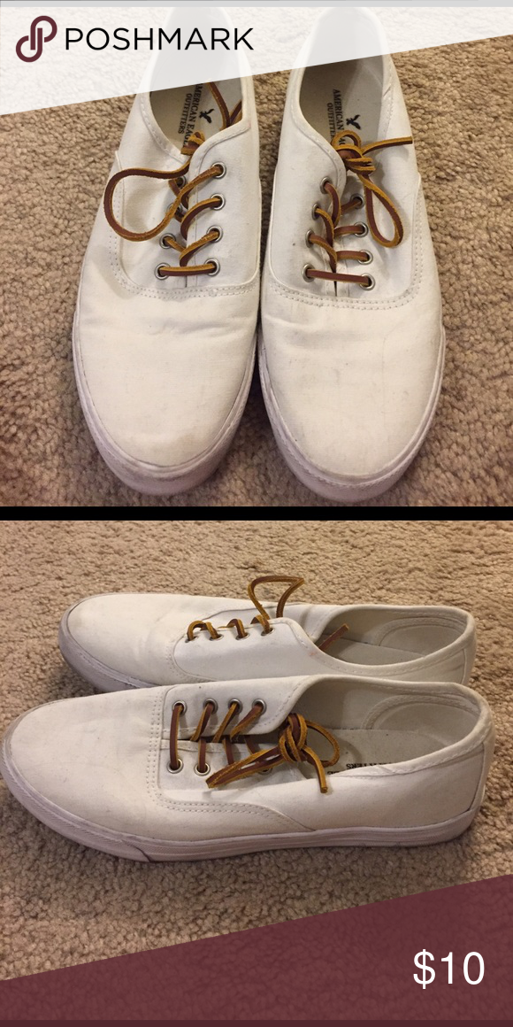 American Eagle white canvas sneakers