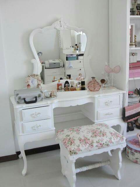 Make up tables for young girls, naked girls doung sex