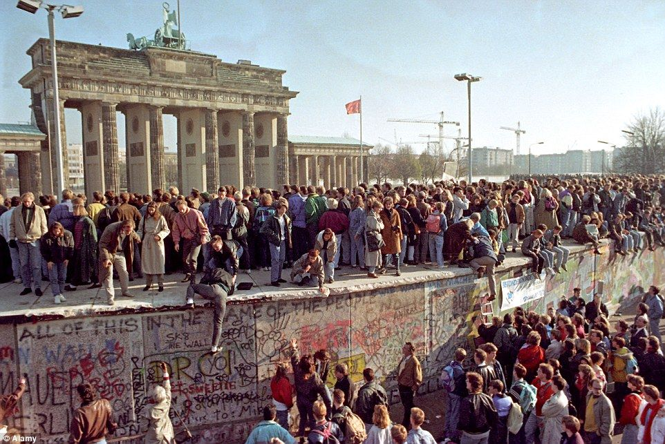 how 65 countries have erected security walls on their on berlin wall id=76956