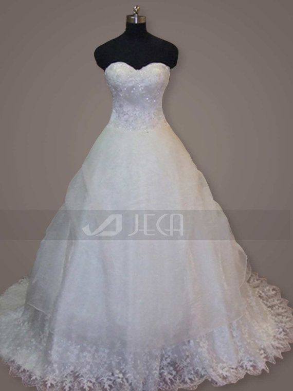 Sweetheart Neckline Romantic Ball Gown by JecaBridal on Etsy