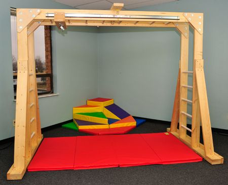 Klettergerüst Innen : Especial needs indoor therapy gym brings vestibular and sensory