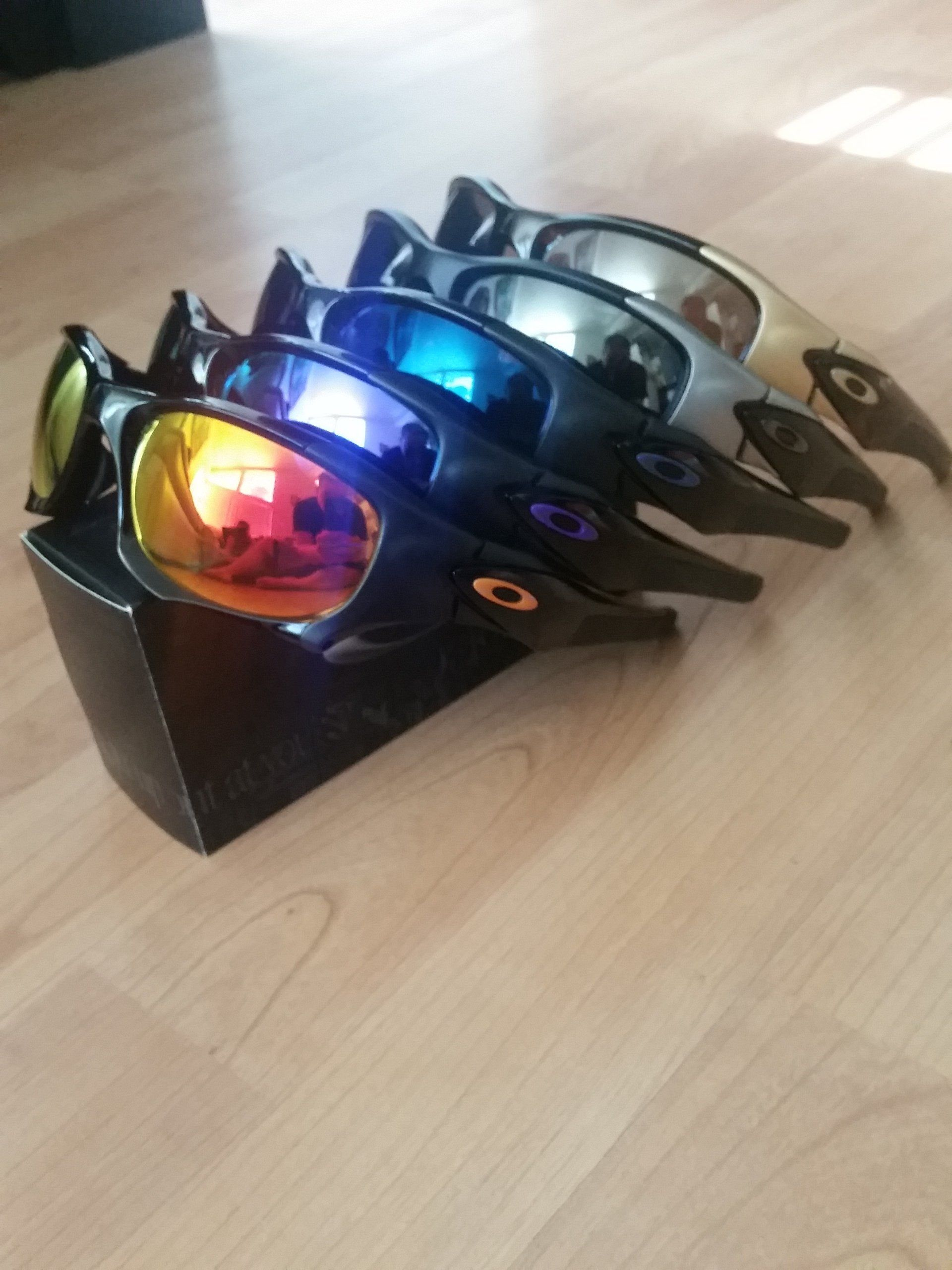 do oakley glasses come with a case  #oakley #pitboss #custom #lenses #sunglasses #elite #collection #oakleyforum