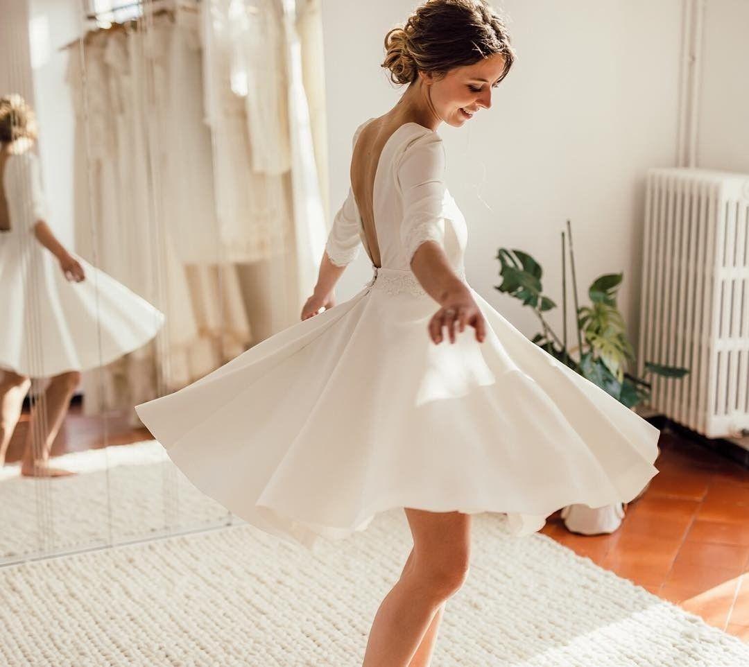 Labude Koeln - Kurzes Brautkleid Becky mit tiefem Rückenausschnitt